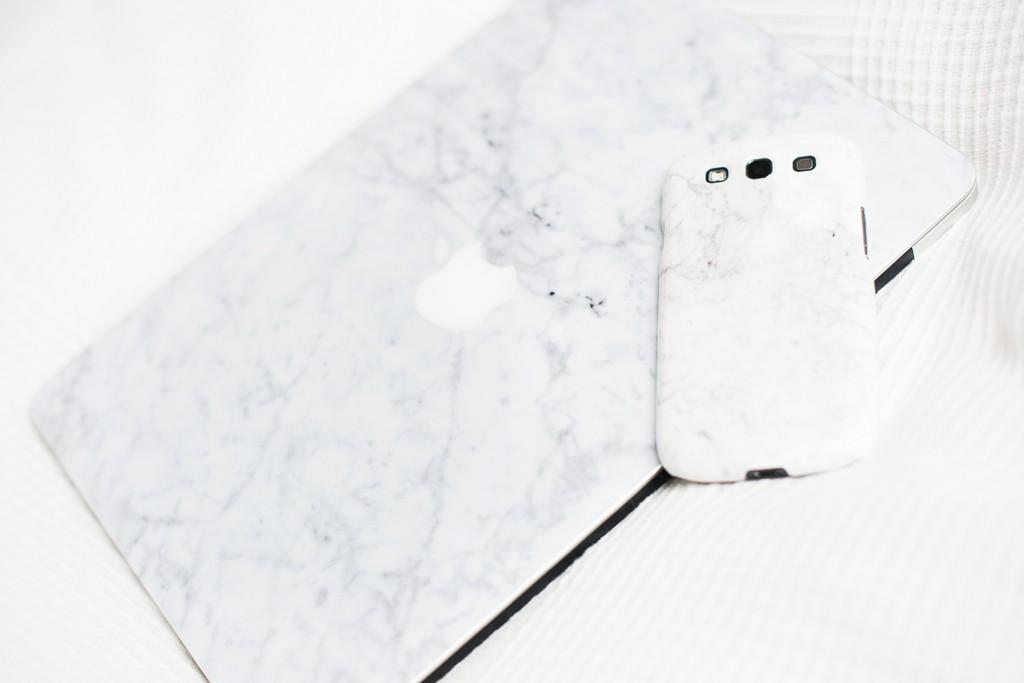 kreative handyh llen mit caseapp selbst gestalten. Black Bedroom Furniture Sets. Home Design Ideas