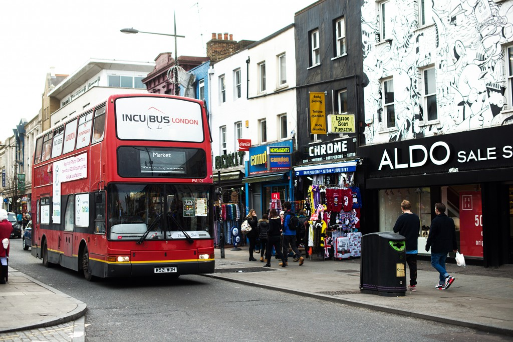 OnePiece_OneSie_LederCap Mango_TopShop Shoes_portrait_camdentown_bus_london_modeblog kassel_Modeblog aus kassel_