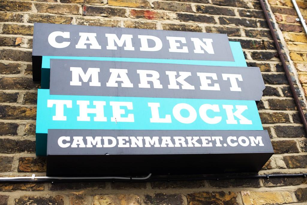 OnePiece_OneSie_LederCap Mango_TopShop Shoes_portrait_camdentown_bus_london_modeblog kassel_Modeblog aus kassel_camden market_camden market the lock