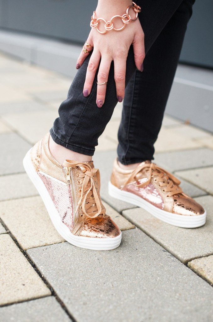 roland_schuhe_metallic_sneaker_modeblog aus kassel_kiamisu_kim ahrens_bronze_rosegold_hochformat