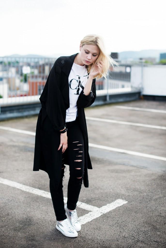 metallic sneaker silber alba moda_kiamisu_modeblog_calvin klein shirt weiß_