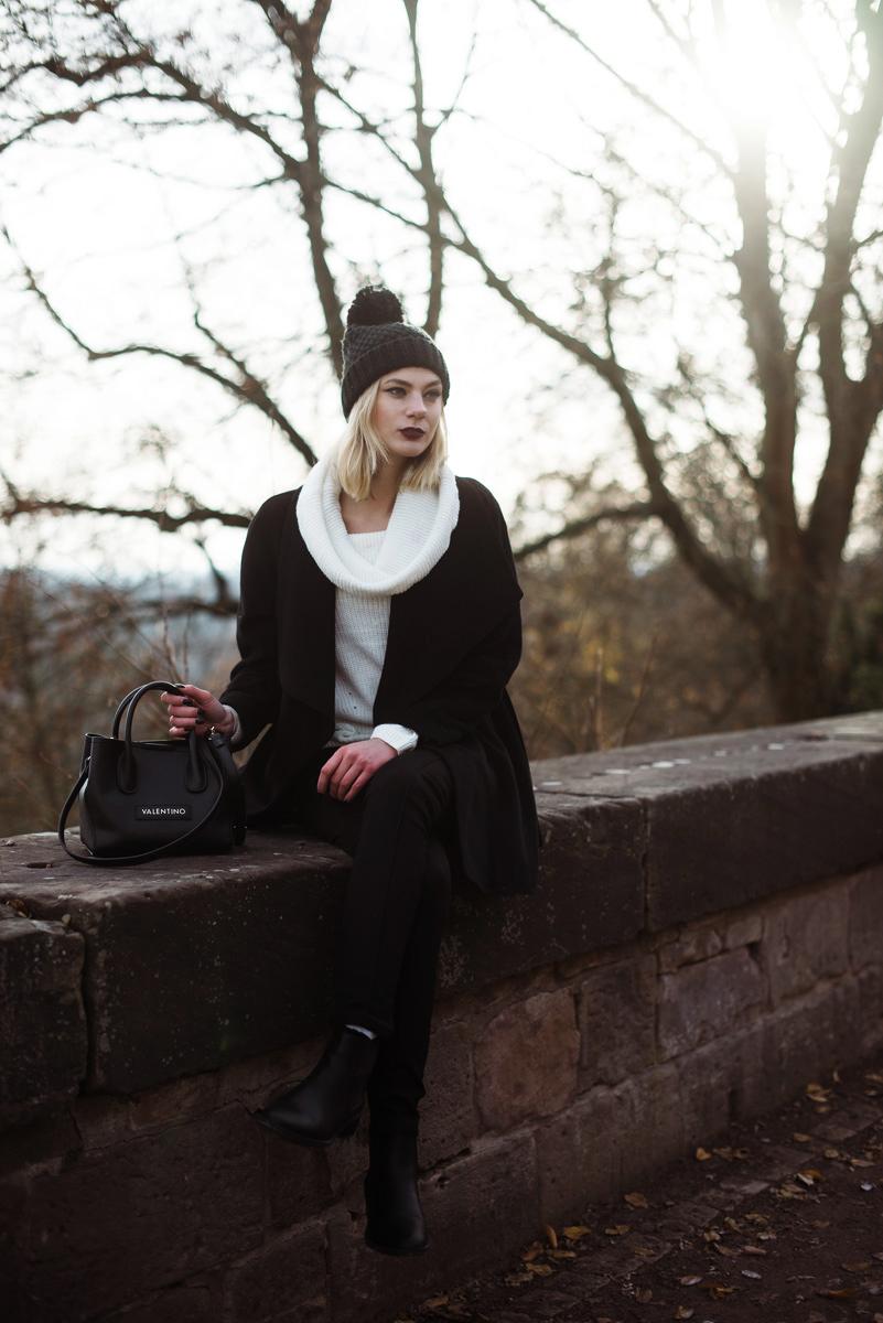takko-fashion_winer-outfit_muetze-mit-bommel_bommelmuetze_fashionblog_modeblog_kiamisu-23