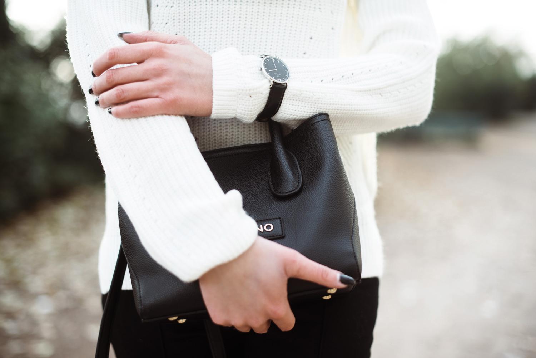 takko-fashion_winter-outfit_muetze-mit-bommel_bommelmuetze_fashionblog_modeblog_kiamisu-6