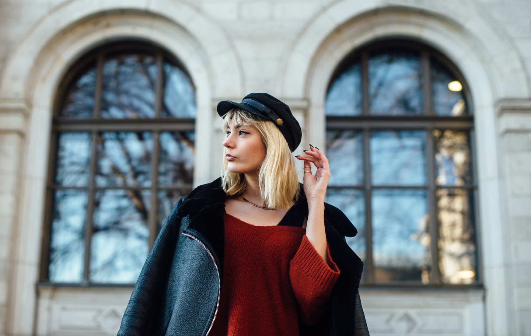 04-Kiamisu-Modeblog-Fashion Week Berlin_Shearling Jacke_Tamaris Stiefeletten_Schiebermütze-6