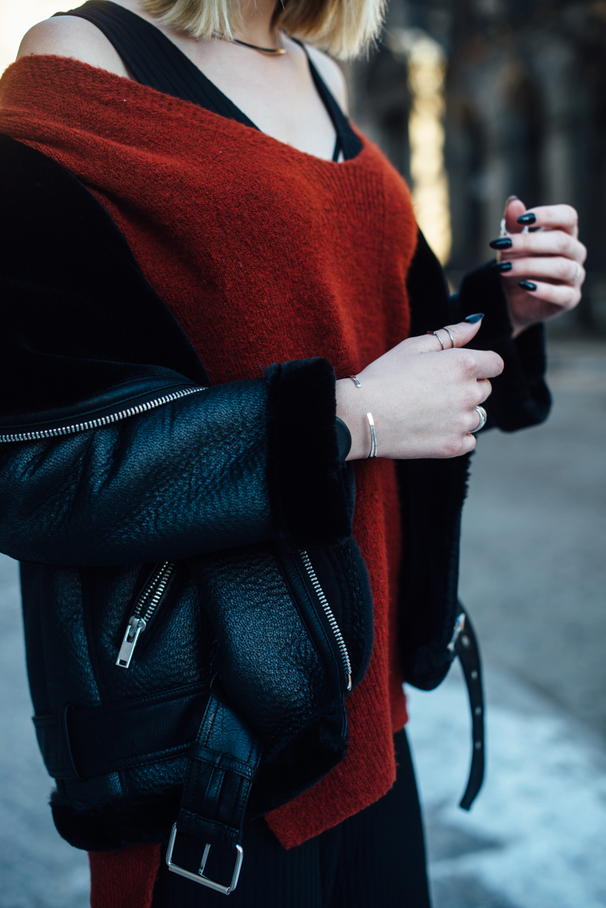 04-Kiamisu-Modeblog-Fashion Week Berlin_Shearling Jacke_Tamaris Stiefeletten_Schiebermütze-23