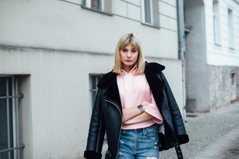 05-Kiamisu-Modeblog-Fashionblog_Kassel_Berlin_Outfit_Inspiration_Puma Hoodie pink-15_final