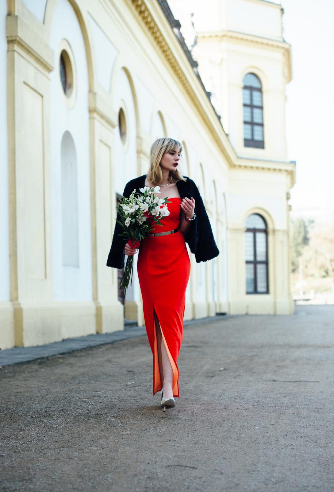 Kiamisu_Modeblog_Fashionblog_divodress_Abendkleid rot_mybloomydays_bouquet_Abendmode-14_heller