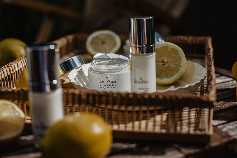 Die prestige-Heimpflegeserie von JEAN D'ARCEL: Vitamincocktail für die Haut